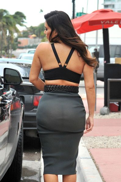 Kim Kardashian Photos - Kim Kardashian and Kanye West in Miami 2 - Zimbio