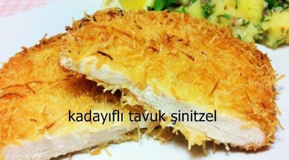 Kadayıflı Tavuk Şinitzel Tarifi  Kadayıflı tavuk şinitzel hem kolay hem de çok şık bir tavuk yemeği. Hazırlaması sadece 15 dakika süren bu eşsiz lezzeti özel konuklarınıza sunarak fark yaratabilirsiniz.