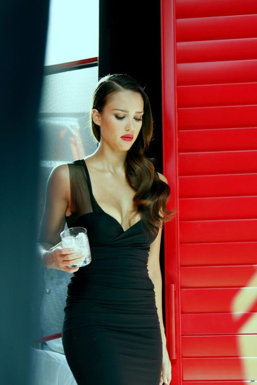 Jessica Alba, Iove everything here. The hair, dress, make up!
