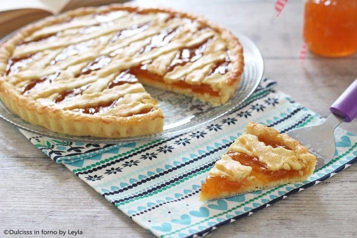 Una ricetta facile e veloce: la Crostata alla marmellata. Dal sapore genuino e delicato, la Crostata alla marmellata piace davvero a tutti.