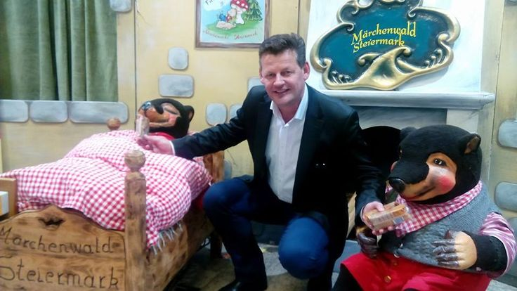 Zum 6. Mal fand am 20. Feber der Mini Max Flohmarkt in den City Arkaden statt. Die Gänge waren voll mit Erwachsenen und Kindern.Es wurde getandelt , getauscht und gefeilscht. Jung und Alt hat großen Spass.