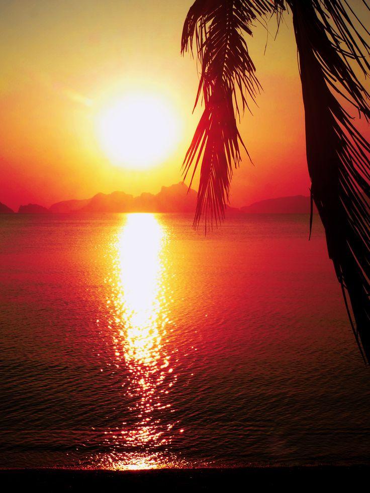 El Nido sunset, Philippines #elnido #sunset #travel #philippines #fashionbyelin #elinhansson #fbyelin