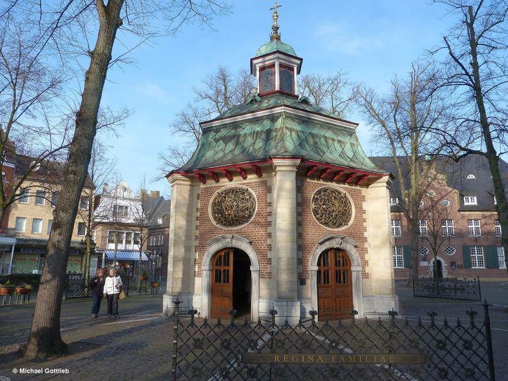 Gnadenkapelle vor Basilika  St. Marien  (Kevelaer, Kreis Kleve, November 2014)