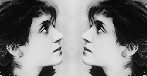 Nietzsche foi loucamente apaixonado por ela, que se recusou a se casar com ele. Freud se correspondeu com ela por décadas. Rilke foi seu amante. A lista de grandes homens de sua grande época que se relacionaram de algum modo com a escritora, ensaísta e psicanalista Lou Andreas Salomé (falecida a 05-02-1937), é longa e memorável. #livrosdodia #blogdahedra