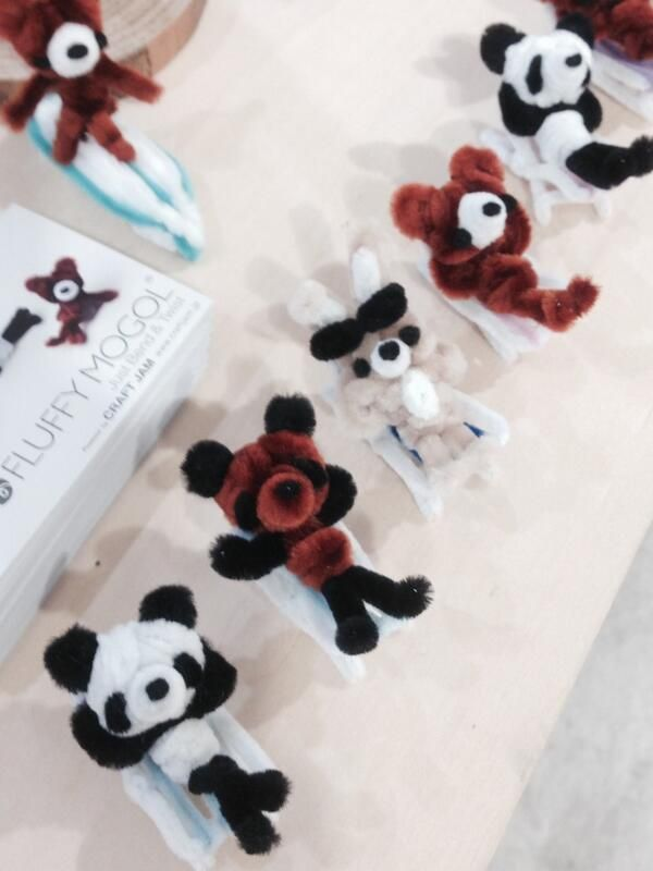 Pipe cleaner animals during the vacation!