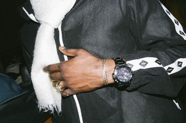 Lors du dernier défilé Homme automne/hiver 2015, en janvier, à Paris du collectif Pigalle, G-SHOCK a dévoilé sa nouvelle montre Premium au design fidèle... #gshock #casio