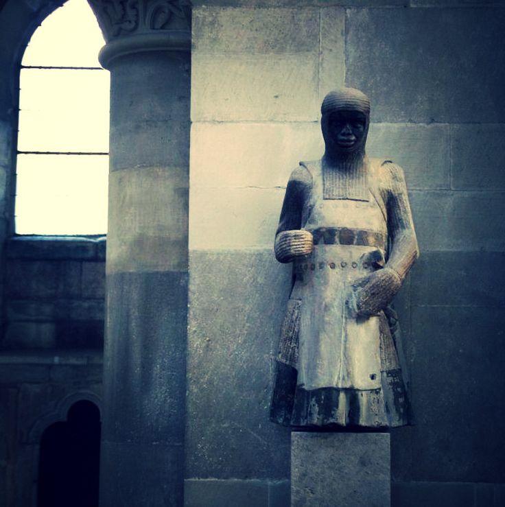 Darstellung des hl. Mauritius als Mohr im Dom St. Mauritius #Magdeburg (um 1250)  #magdeburgerdom #dom #church #figur #heiliger #momentaufnahme #detailverliebt