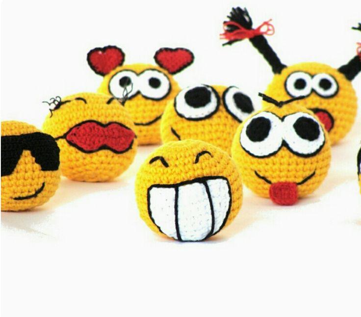 Amigurumi Örgü Oyuncak Modelleri –  Amigurumi Örgü Top Modelleri ile Smile Yapılışı ( Anlatımlı ) – Örgü, Örgü Modelleri, Örgü Örnekleri, Derya Baykal Örgüleri