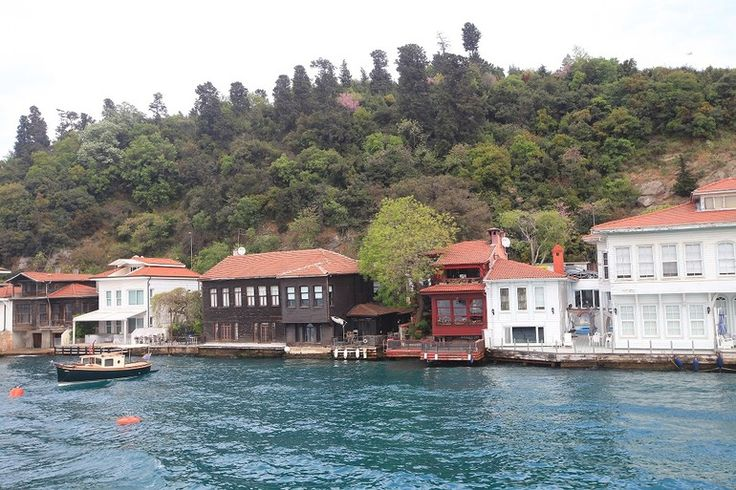 İstanbul Boğazı'nda erguvan turu