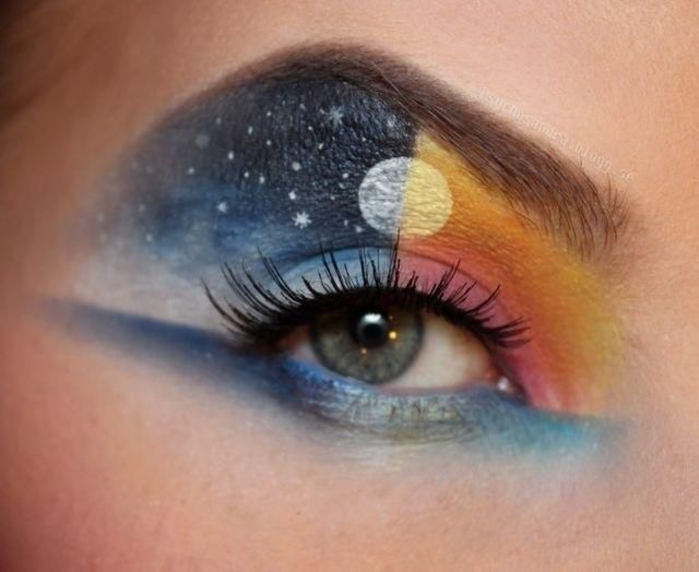 DIY Halloween Makeup : pretty halloween eye makeup