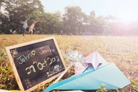 Casual Pre-Wedding Photography » Confetti Peektures Singapore Wedding Photography Vintage Style