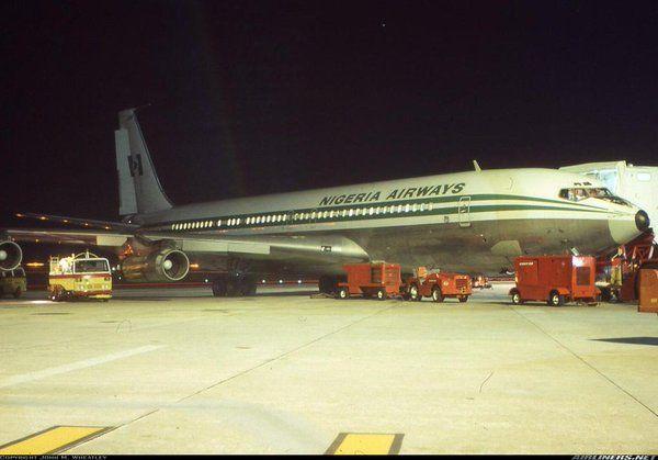"Night action at Perth Airport - Nigeria Airways B707 5N-ABK ""Olumo Rock"", early 80s"