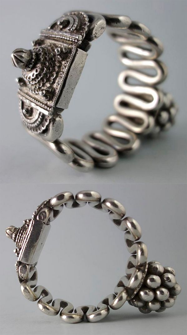 India | Antique silver armlet; likely to be from Orissa | 800€