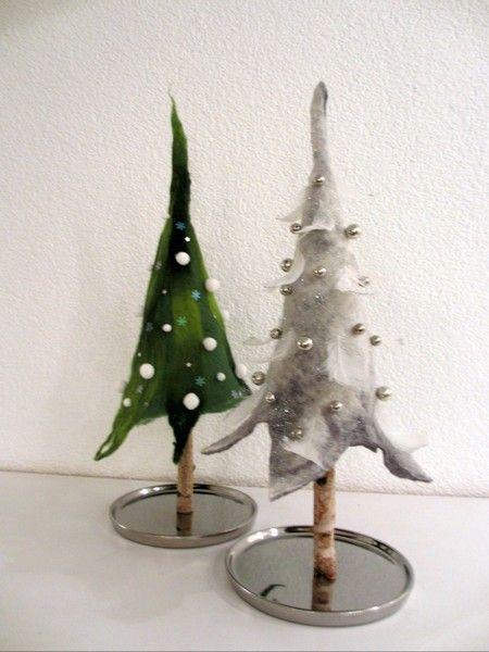 Tannenbaum aus Filz, Weihnachtsbaum, grau-weiß von Wiesenelfe.de auf DaWanda.com