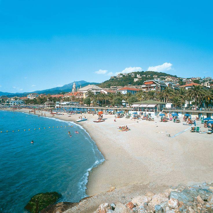 Le spiaggie di Pietra Ligure   Spiaggia, Piscine, Parchi ...