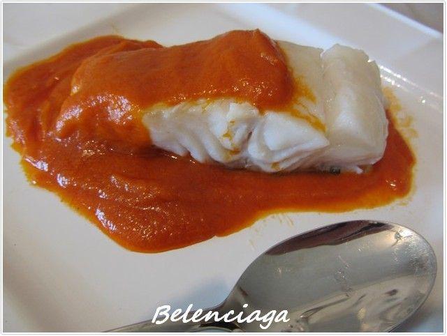La salsa vizcaína, es una receta tradicional de la cocina vasca, muy popular, y que seguro hemos visto o leído preparada en distintas versiones. Suele suceder que estas recetas de siempre en cada casa se adaptan al gusto de cada uno. Parece ser que la...
