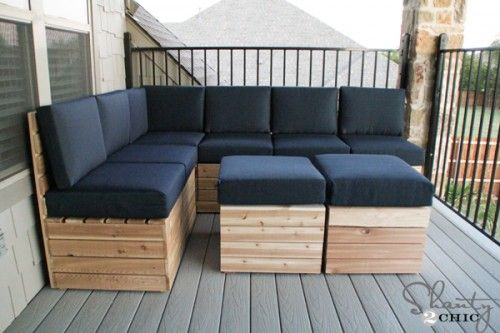 For more flexibility in your outdoor seating, build your own modular sectionals for the porch or patio. Follow along with the bloggers from Shanty 2 Chic as they take you step by step through the process. || @shanty2chic
