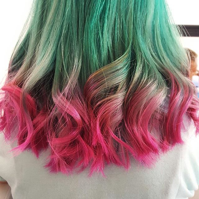 Watermelon hair doesn't involve dyeing your hair with watermelon, or even washing it with watermelon water. The look is all about dying the top part of your hair green (like the outer skin of a watermelon), and the ends pink (like the inside, get it?).