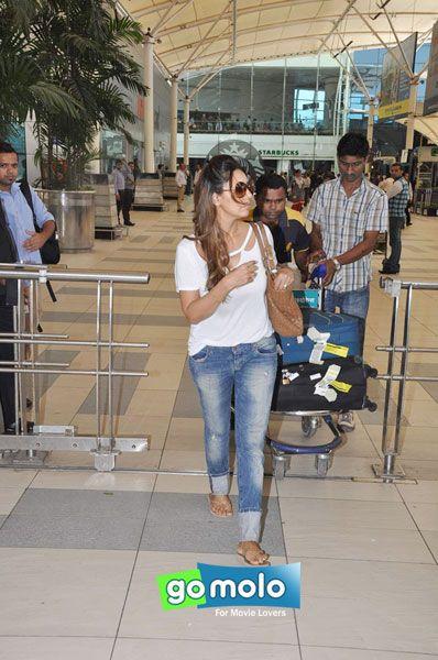 Gauri Khan snapped at Mumbai Domestic Airport