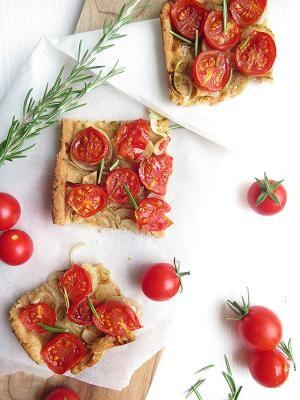 Celozrnný koláč s rajčaty a rozmarýnem