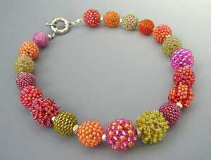 Fabulous colors!!  http://www.passion-for-beads.de/gallery3.html