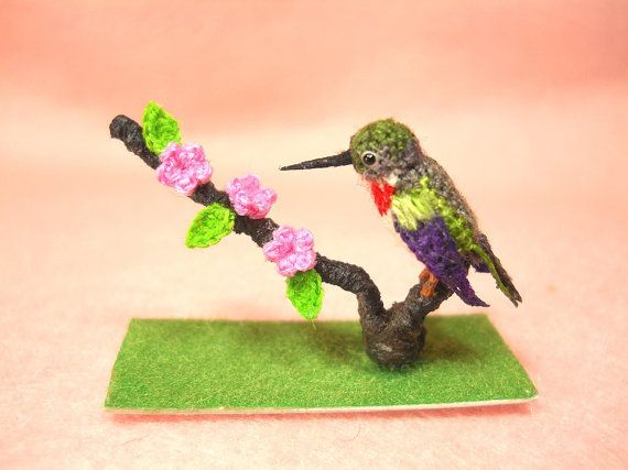 Amigurumi Hummingbird Pattern : Super cute Ruby Throated Hummingbird Micro Amigurumi ...
