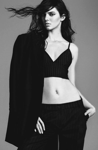 Kendall Jenner - her face is perf, her body is perf and her style is perf.....