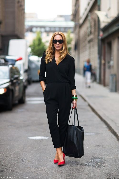 everything about thisFashion, All Black, Red Shoes, Street Style, Black Outfit, Red Pump, Red Heel, Work Outfit, Black Jumpsuits