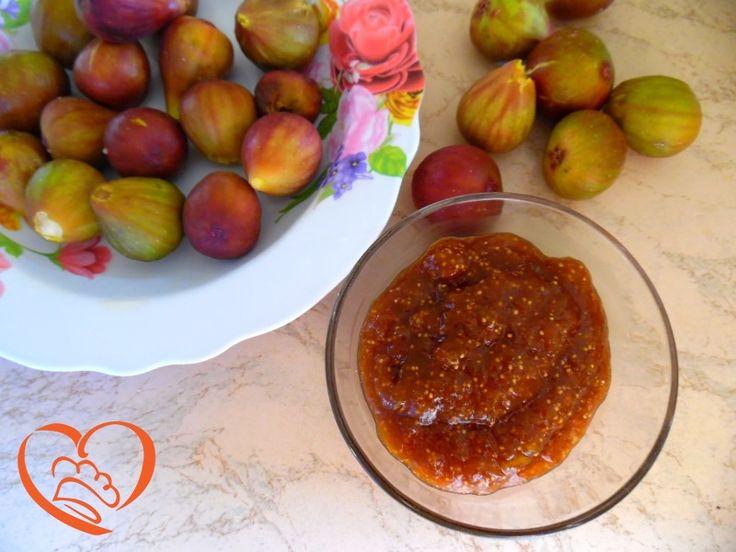 Marmellata di fichi speziata http://www.cuocaperpassione.it/ricetta/492f1f4c-9f72-6375-b10c-ff0000780917/Marmellata_di_fichi_speziata