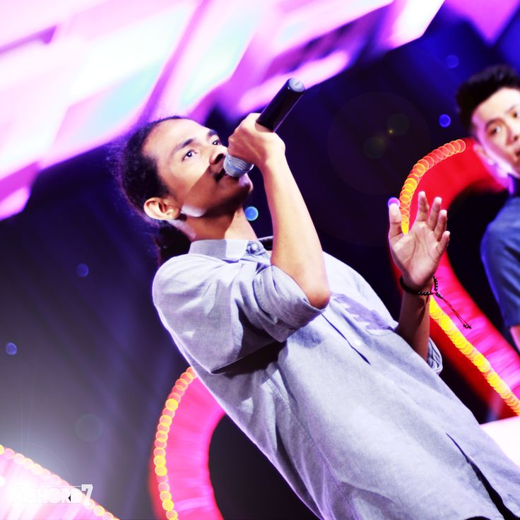Achord7's performance at Stella Duce SHS' prom party, captured by Canon EOS 70D