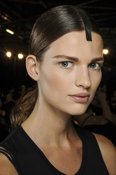 ALEXANDER WANG - Strong brows and beautifully contoured skin were the primary focus.
