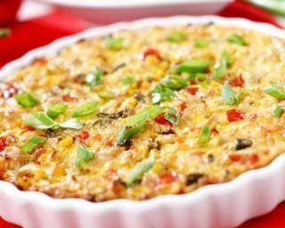 Tarte légère au thon et à la ratatouille gratinée au gruyère : http://www.fourchette-et-bikini.fr/recettes/recettes-minceur/tarte-legere-au-thon-et-a-la-ratatouille-gratinee-au-gruyere.html