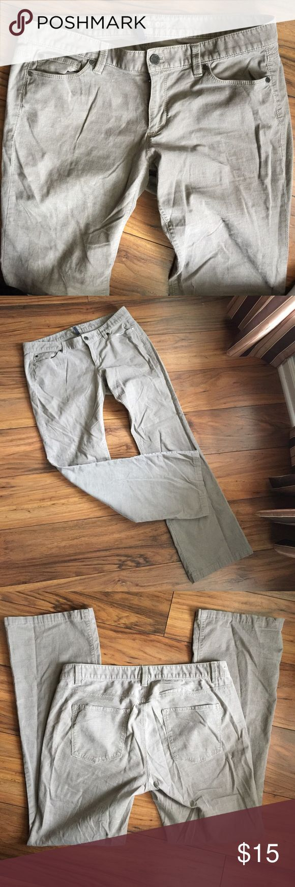 """Ann Taylor Corduroy Curvy jeans Perfect condition curvy corduroy jeans 95% cotton 5% spandex and 30"""" inseam Ann Taylor Jeans"""