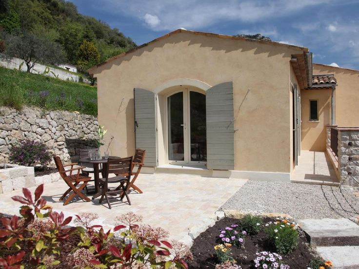 Vence Holiday studio - Self-catering studio with Pétanque Court in Vence, sleeps 2 | HomeAway