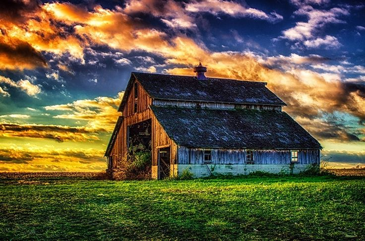 From all across the nation, country barns stand as a testimony to what it means to be American. Besides that, they can be just plain gorgeous. Repin & Like. Thank you . Listen to Noel songs. Noelito Flow.