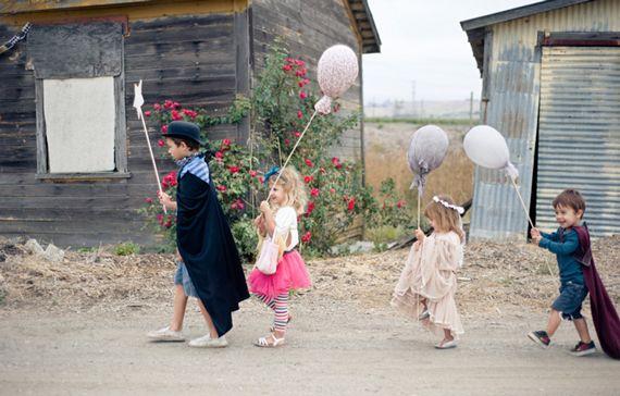 DIY fabric balloons (Halloween balloon march around the neighborhood)