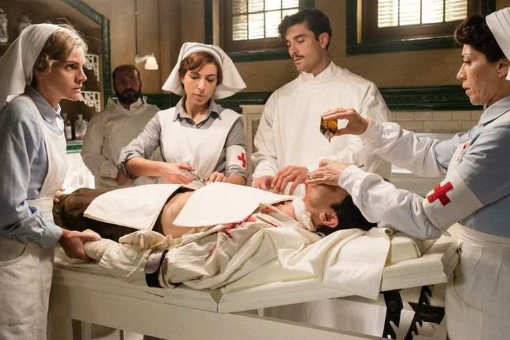 La serie española está ambientada en el norte de África, en plena Guerra del Rif; fue creada por el equipo responsable de Velvet, Gran Hotel y Las chicas del cable
