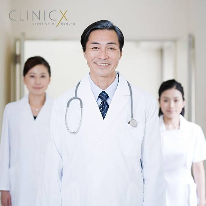 【CLINICX,自然‧自信】 我們的無創微整形醫生團隊︰ - 擁有超過10,000次微整形服務經驗 - 通過韓國美容外科醫學院臨床培訓 - 通過韓國NAVI美容外科院長臨床培訓 - 通過韓國Yonsei大學醫學院耳鼻喉頭頸外科教授臨床培訓 - 通過韓國Ultra V Lift技術創始人Dr. Kwok Han Jin臨床培訓 - 通過台灣整形外科醫學會講師臨床培訓 - Sculptra生產商法國Sanofi Aventis藥廠首批指定醫生 - Restylane生產商瑞士Galderma藥廠首批指定醫生 - Ellanse生產商荷蘭AQTIS Medical藥廠首批指定醫生 http://www.clinicx.com.hk/ 【圖片轉載至網絡】