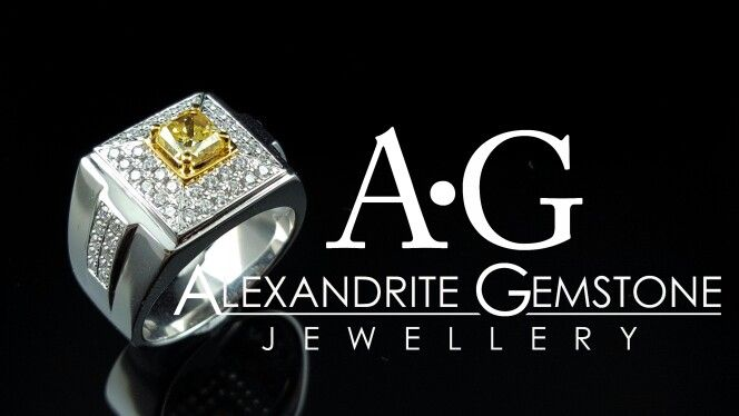 Men ring fancy intense diamond