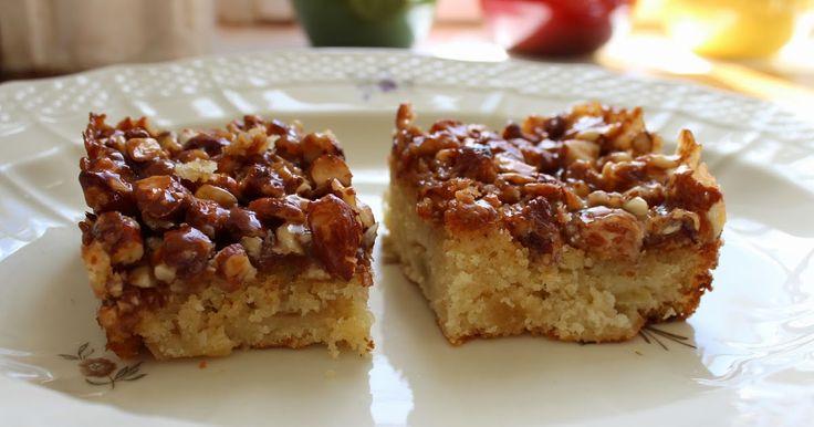 Jeg havde en masse dejlige æbler fra haven og ville gerne lave en æblekage. men det måtte gerne være anderledes en dem jeg plejer at lave så...