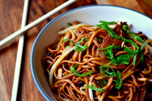 How to Make Chicken Chow Mein