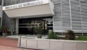 Sólo tres heridos por pirotecnia en la ciudad Córdoba Entre las...  Sólo tres heridos por pirotecnia en la ciudad  Córdoba  Entre las últimas horas del 2015 y las primeras del 2016 sólo tres personas sufrieron quemaduras con pirotecnia. Dos de ellas sufrieron heridas leves. El caso más grave fue un hombre de 63 años que resultó afectado con la pirotecnia en su zona genital por lo que quedó internado.  En diálogo con Cadena 3 Esteban Secato médico a cargo de la guardia en el Instituto del…