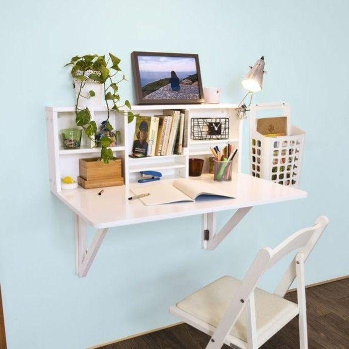 bureau pliable en bois clair pour le mur