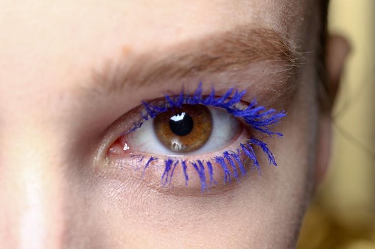Blauwe mascara @ Stella McCartney  - AW 2012