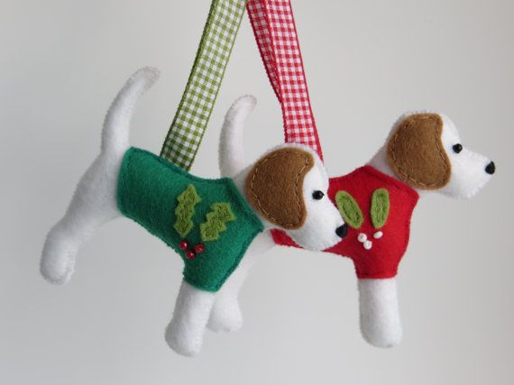 Beagle dog hand sewn felt christmas jumper tree by MisHelenEous