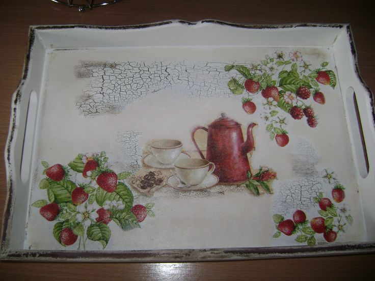 Tray decorated with napkins