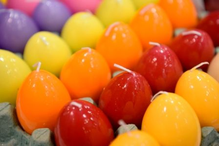 Colorful #Easter candle #eggs
