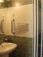 Standard kétágyas szoba fürdőszobája / Standard bathroom