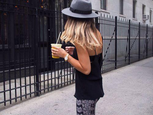 Wielkomiejski styl w najmniejszym detalu. #fashiongirl #summer #summerinthecity #watch #watchlovers #details #streetstyle #butikiswiss