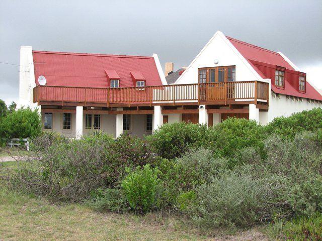 Strandloper Cottage Boggoms Bay Mossel bay 4 Bedrooms indoor fireplace and pizza oven